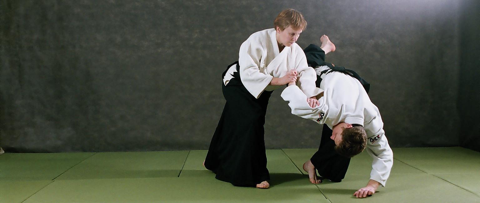 Айкидо в действии, нагэ - президент ЦАА Койнобори Додзё М. Л. Карпова