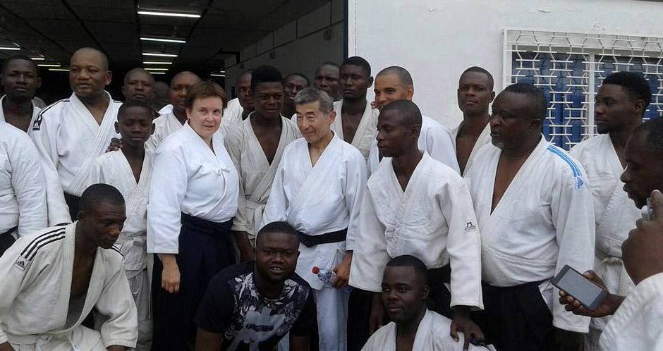 Сэки сихан и М.Л. Карпова на первом международном семинаре по айкидо Айкикай в Конго